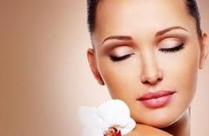 Limpieza facial + mesoterapia virtual por 17.5€